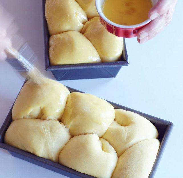 làm bánh mì hoa cúc