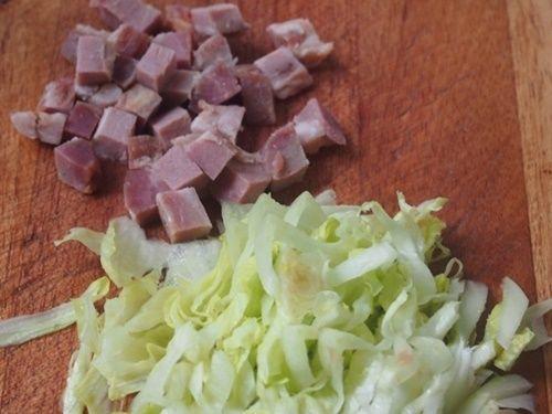 thịt heo và rau diếp