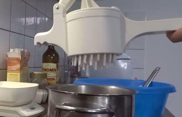 ép sợi bánh canh bằng máy