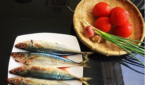 Nguyên liệu làm cá nục kho cà chua