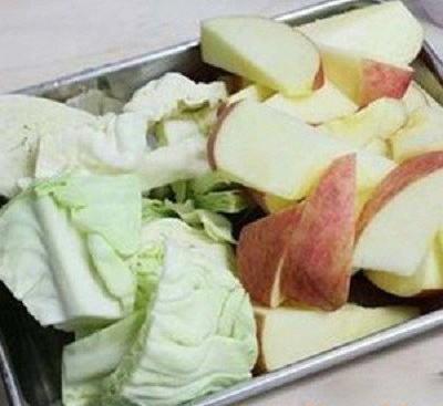 bắp cải và táo