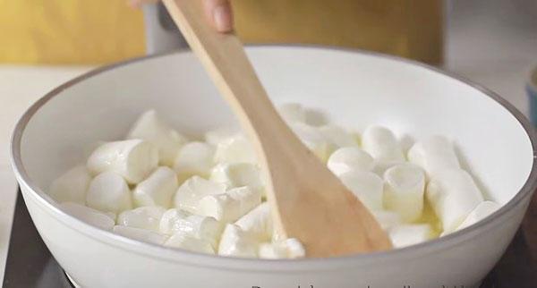 nấu bơ và Marshmallow