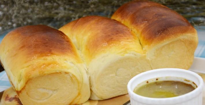 bánh mì và pate gan gà