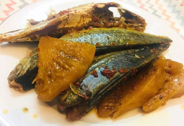 món cá bạc má kho thơm