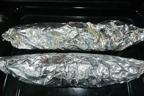 gói cá nục bằng giấy bạc