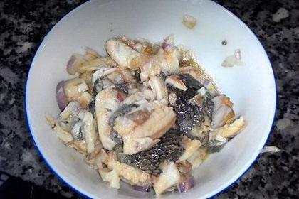 gỡ thịt cá rô