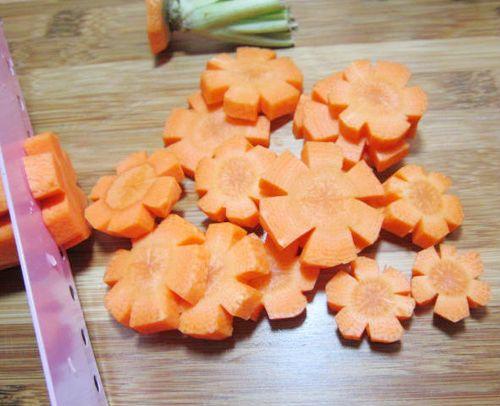 cà rốt tỉa hoa